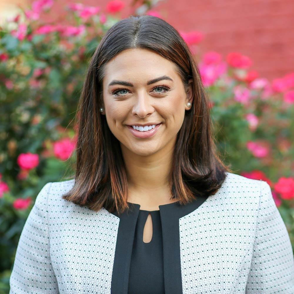 Associate Clarissa Lindsey